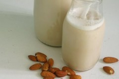 Soy Milk vs Almond Milk