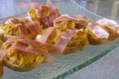 Pumpkin-Prosciutto Crostini: Perfect for Thanksgiving!!